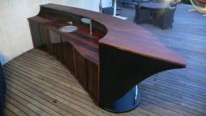 bar en bois sur mesure camargue