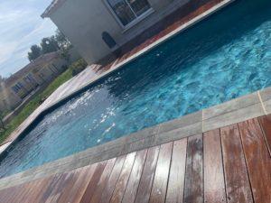 pose tour de piscine bois exotique sainte eulalie